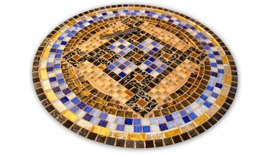 Стол с мозаичной столешницей