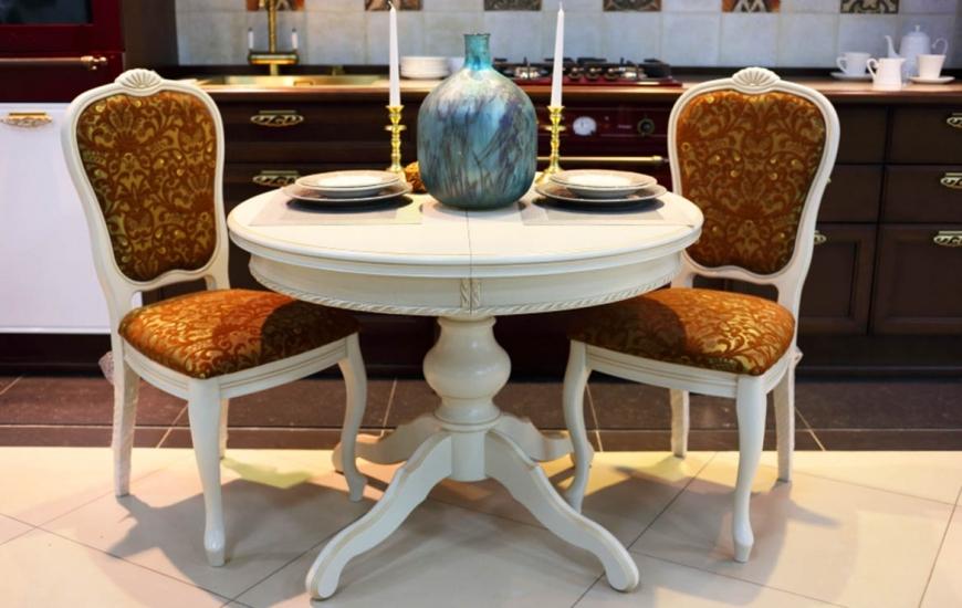 Белые овальные столы